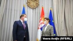 Evropski komesar za proširenje Oliver Varhelji i predsednica Vlade Srbije Ana Brnabić