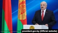 Аляксандар Лукашэнка падчас прамовы 2 ліпеня