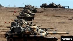 Türkiyə tankları Suriya sərhədində