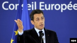French President Nicolas Sarkozy and his compatriates are left picking up the pieces after the Irish 'no' vote