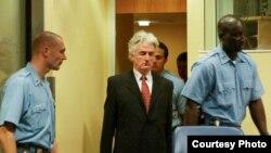 Radovan Karadžić koji se pred Haškim sudom brani sam od optužbi za genocid u Srebrenici i više općina u BiH, uzimanje međunarodnih promatrača za taoce te napade na Sarajevo, foto Goran Jungvirth