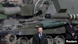 Ministrul eston al apărării, Margus Țaknala, la o ceremonie NATO