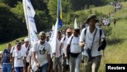 Բոսնիա և Հերցեգովինա - Դեպի Սրեբրենիցա «Խաղաղության երթի» մասնակիցները, 8-ը հուլիսի, 2015թ․