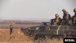 Правительственные войска Украины вблизи Луганска. 30 октября 2014 года.