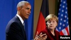 Барак Обама та Анґела Меркель виступають на прес-конференції після зустрічі в резиденції канцлера. Берлін, 17 листопада 2016 року