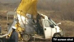 Vozač automobila je pobegao sa mesta nesreće, a na lice mesta stiglo je osam ekipa hitne pomoći iz Niša i Aleksinca