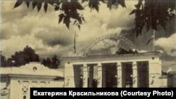 Сад им. Сталина на месте Воскресенского кладбища в Новосибирске