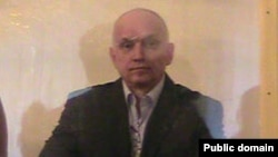 Владимир Козлов сот залында. Ақтау, 8 қазан 2012 жыл.