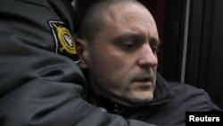 Одно из предыдущих задержаний Сергея Удальцова, Москва, 11 апреля 2012