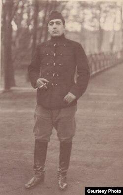 Ofițer român de cavalerie prizonier în Germania (Expoziția Marele Război, 1914-1918, Muzeul Național de Istorie a României)