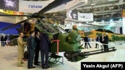 "Helikopter i tipit, ""T129 ATAK"" ."