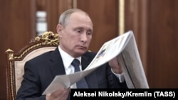 Президент Путин келерки жылдагы президенттик шайлоого катышарын азырынча ачык айта элек.