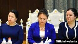 Озода Рахмон, дочь президента Таджикистана (слева). Архивное фото