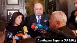 Севдалина Арнаудова, спортният министър Красен Кралев и журналистът Сашо Диков