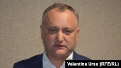 Лидер молдавских социалистов Игорь Додон сообщил, что 9 мая сторонники партии перекроют въезд в Кишинев, чтобы преградить путь военной технике США