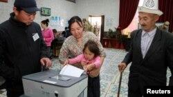 Кыргызстанда президенттик шайлоо 15-октябрда өткөн. Ага 11 талапкер катышкан.