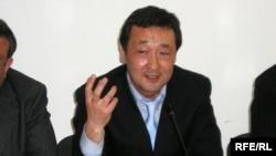 Әнуар Түгел, Қазақстан Адвокаттар одағының президенті. Алматы, 27 сәуір 2009 ж.