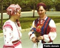 Раіса Станкевіч (справа) і Ева Пашкевіч, 1976 год