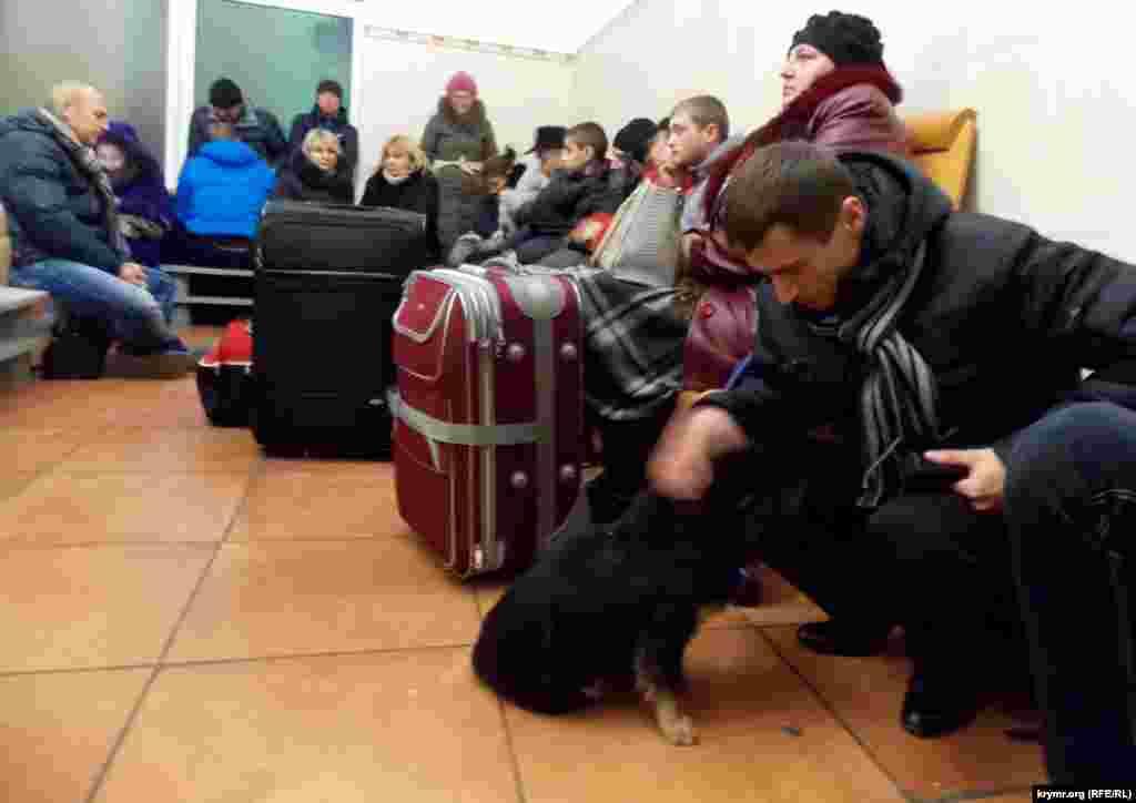 Выбравшись из Крыма нужно еще успеть на свой поезд или ждать другого