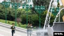 Adam hukuklaryny üpjün etmek boýunça Türkmenistan halkara borçnamalary öz üstüne alan döwlet.