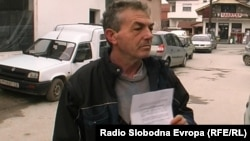 Целе Ѓурчиноски кој 34 години работел во Мермерниот Комбинат.