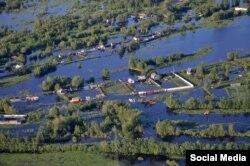 Наводнение в Нефтеюганске. Фото Андрея Селезнева