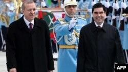 Президенты Режеп Тайип Эрдоган и Гурбангулы Бердымухамедов