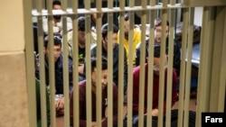 تصویر منتشر شده در خبرگزاری فارس از بازداشت شدگان اعتراضات اخیر.