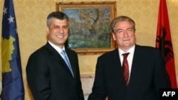 Premijer Kosova Hašim Tači i premijer Albanije Salji Beriša