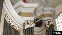 Орган – неотъемлемая часть рождественской службы в католическом соборе