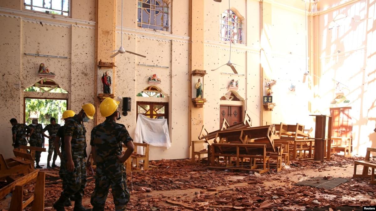 Число погибших в результате взрывов на Шри-Ланке превысило 200. Власти установили виновных