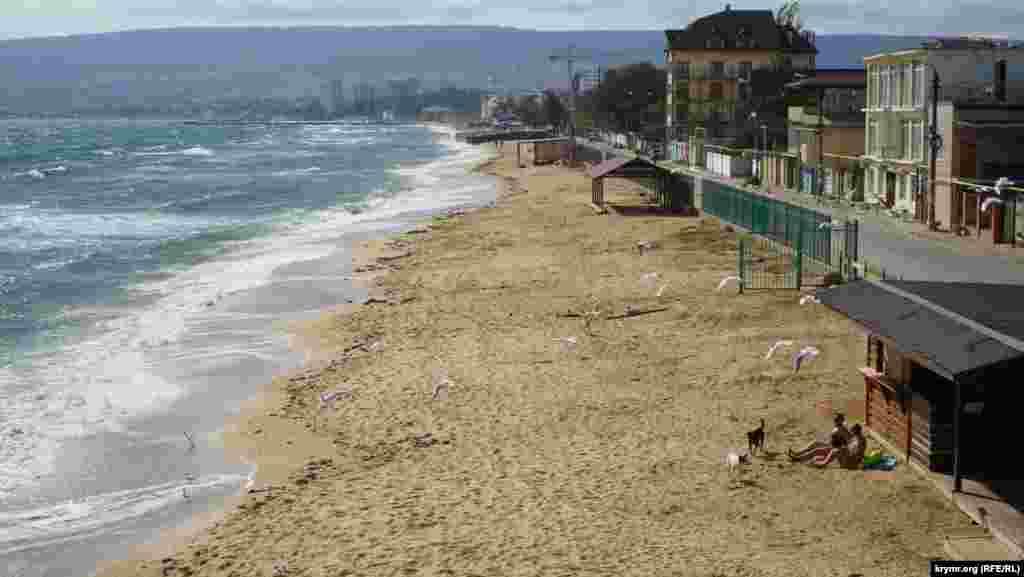 На пляже «Юрая»