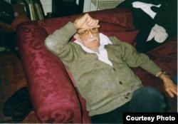 Александр Пятигорский. Лондо, 1995. Фото Людмилы Пятигорской