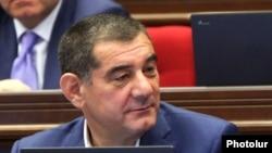 Կարո Կարապետյան, արխիվ
