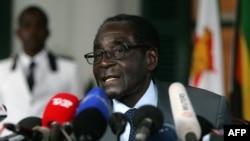Президент Зимбабве Роберт Мугабе. 30 июля 2013 года.