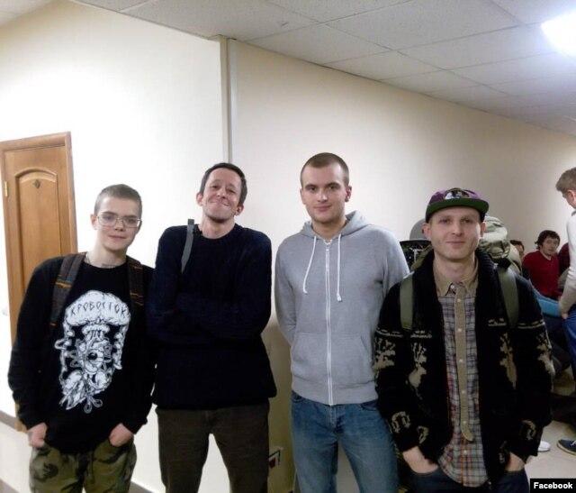 """Глеб в Ярославле после заседания суда по делу группы """"Кровосток"""""""