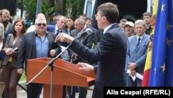 Мэр Кишинева отчитывается о работе за год, июнь 2016 г.