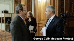 Valer Dorneanu, președintele Curții Constituționale, și Florin Iordache (PSD), cel care a condus comisia care a operat contestatele modificări la legile justiției.