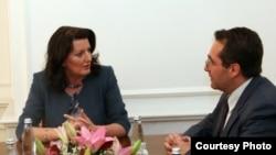 Lulzim Peci në një takim me presidenten Atifete Jahjaga - foto arkivi