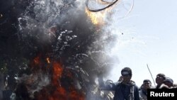Последните големи протести во Авганистан избија по палењето на Куранот во црква во САД