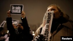 Парижде өткөн демонстрациядан бир көрүнүш
