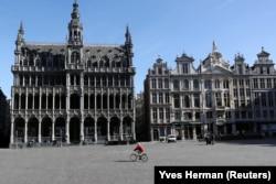 Центральна площа Брюсселя, Бельгія, після запровадження карантину. 18 березня 2020 року