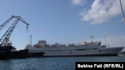 Golful Iujnaia, uriașa navă spital a flotei militare ruse