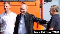 Володимир Путін і Аркадій Ротенберг, Керч, 15 травня 2018 року