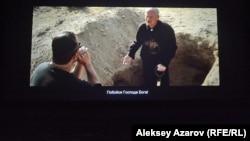 Çox insan filmlərə subtitrlərlə baxmağa üstünlük verir.