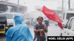Потужний тайфун на вже забрав життя понад 30 людей на Філіппінах