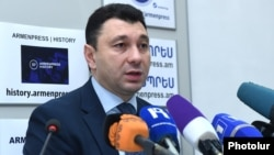 Armenia -- Eduard Sharmazanov, the spokesman for the ruling Republican Party, at a press conference in Yerevan, 27Dec2017.