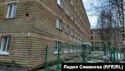 Здание общежития №10 УГТУ, в котором Василий Завьялов общался со студентами на ставшем знаменитым видео