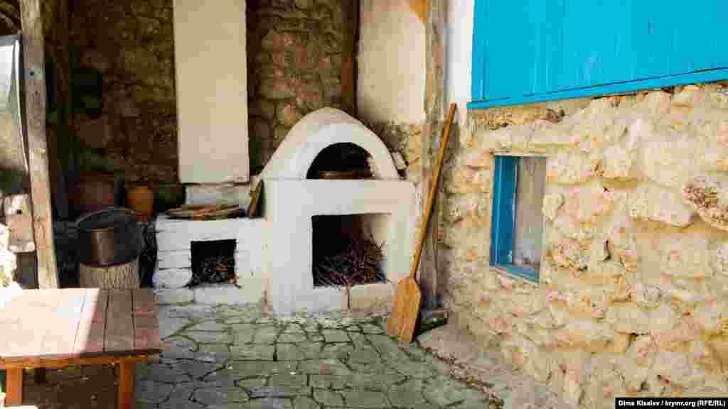 Кримськотатарська сім'я Дервіш роками збирала кожен елемент і артефакт