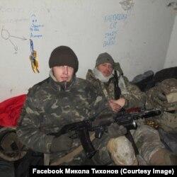 Дмитро «Тік-Так» і Микола «Барін» у новому терміналі ДАПу, січень 2015 року